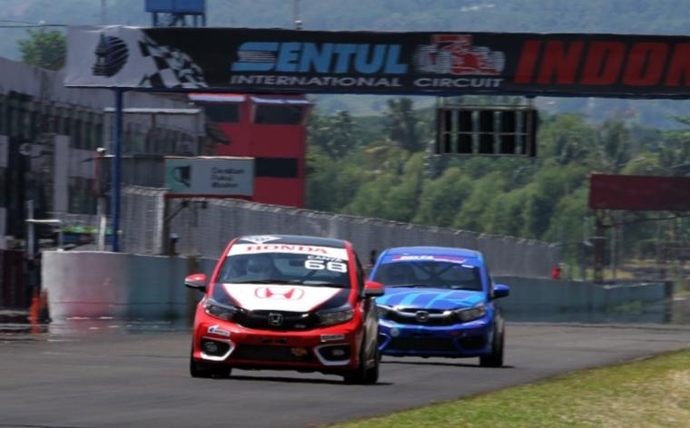 Canya Prasetyo, pembalap wanita Honda Racing Indonesia andalkan Honda Brio di Honda Brio Speed Challenge 2021