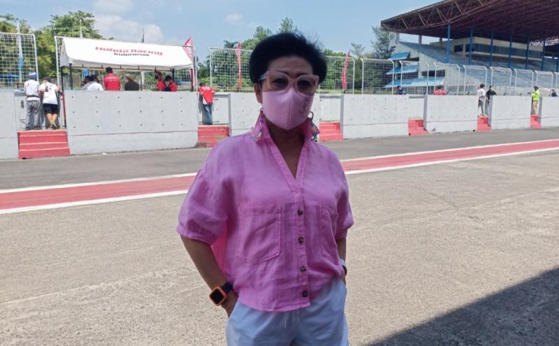 Lola Moenek sampaikan terima kasih dan apresiasi kepada pembalap serta tim yang telah terapkan Prokes di ISSOM