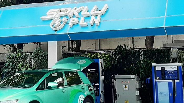 SPKLU PLN yang melayani pengecasan batarai mobil listrik di Jakarta