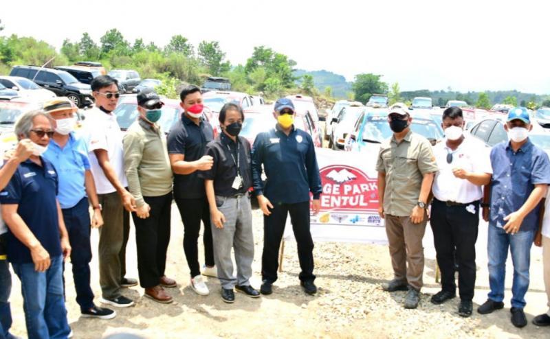 Bamsoet didampingi Hutomo Mandala Putra dan pengurus IMI Pusat lainnya pada peresmian soft launching sirkuit Stage Park Sentul, Bogor hari ini