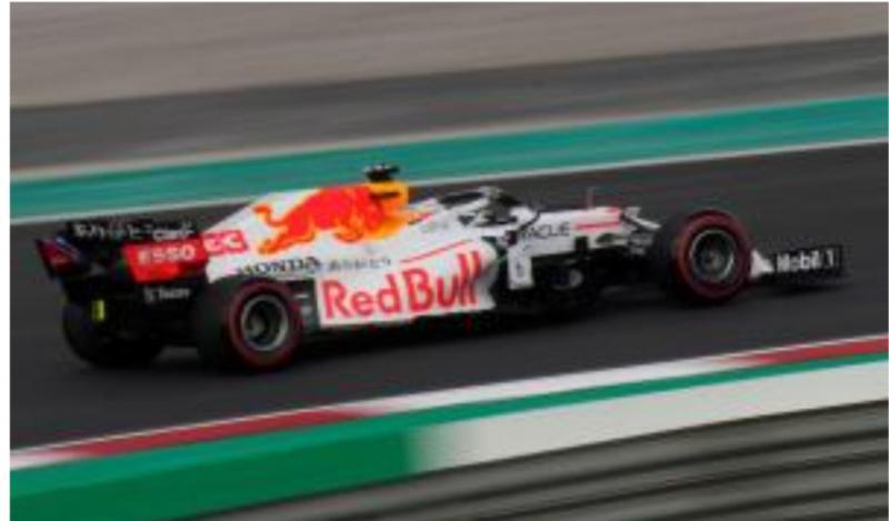 RB16B besutan Max Verstappen di GP Turki, top speed-nya disebutkan kalah telak dari W12 milik Lewis Hamilton. (Foto: ist)