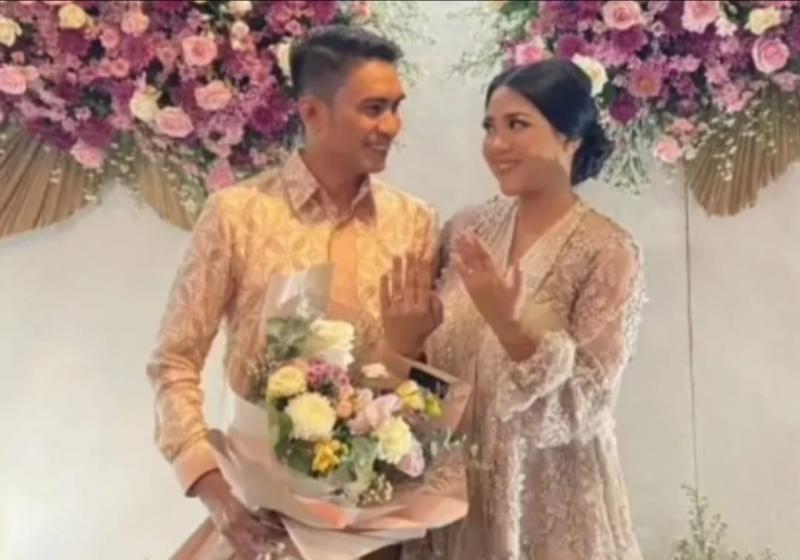 Project Manager IIMS Rudi MF bertunangan dengan Ervina Dianta di Beranda Kitchen Jakarta, Minggu (10/10/2021).