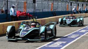 Balap Formula-E yang seru sebagai dukungan untuk percepatan transformasi mobil konvensional ke mobil listrik
