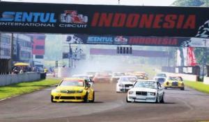 Andalkan Mercedes W204, Tomi Hadi kuasai kelas Avantgarde MOMRC 2021 putaran 4 di sirkuit Sentul, Bogor, Minggu (17/10/2021)