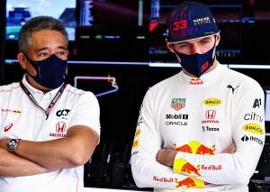 Masashi Yamamoto (kiri) dan Max Verstappen, butuh kemenangan di tiga dari enam sisa balapan 2021. (Foto: formulaone.news)
